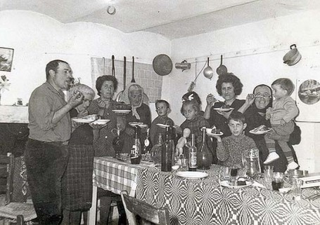 italy family eating